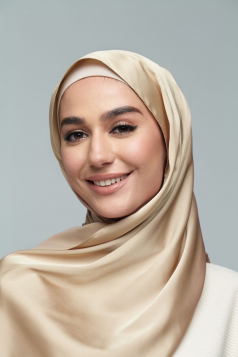 THALIA Satin Shawl in Caramel