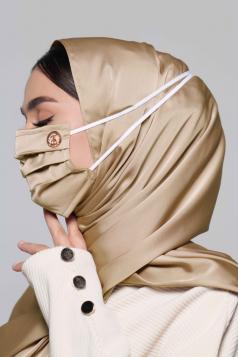 Thalia Satin Headloop Mask in Caramel