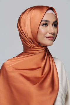 THALIA Satin Shawl in Marmalade