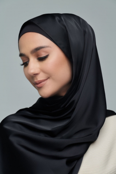 THALIA Satin Shawl in Black Aswad
