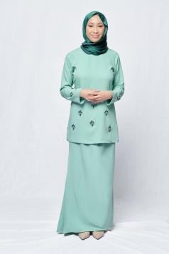 Ayda in Green