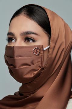 Thalia Satin Mask in Almond Brown