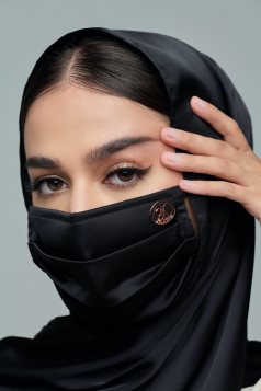 Thalia Satin Mask in Black Aswad