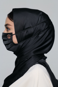 Thalia Satin Headloop Mask in Black Aswad