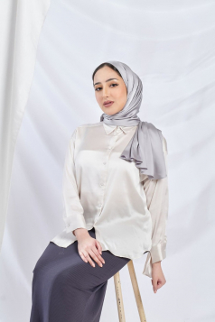 THALIA Satin Shawl in Diamond